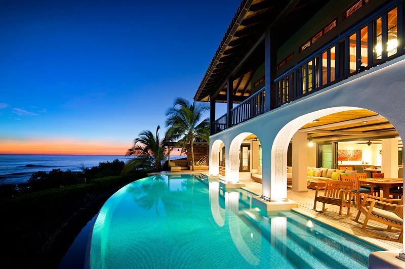 Villa Floramar, Sleeps 8 - Image 1 - Playa Negra - rentals