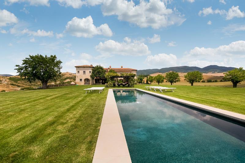 Villa Contea, Sleeps 19 - Image 1 - San Quirico d'Orcia - rentals