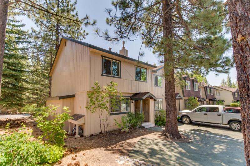 Well-decorated home w/ shared pools & hot tubs, just one block to the lake! - Image 1 - Tahoe City - rentals