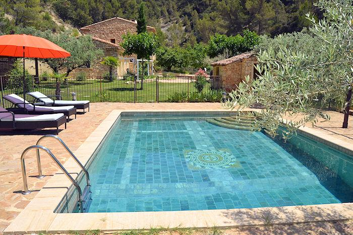 Le Barroux Vaucluse, Charming country house 8p, high standing, private pool - Image 1 - Le Barroux - rentals