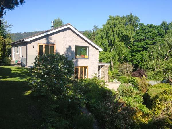 ERW NANT, architect-designed detached, woodburner, gardens, woodburner, WiFi, near Chirk, Ref 922947 - Image 1 - Chirk - rentals