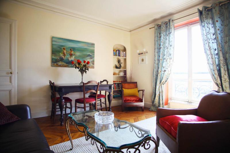 Beautiful afternoon light - Relax with Park View Designer apt near Montmarte - Paris - rentals