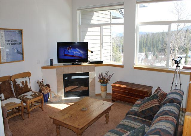 FP121D Fantastic Townhome w/ Wifi, Pet Friendly, King Bed, Private Hot Tub - Image 1 - Silverthorne - rentals