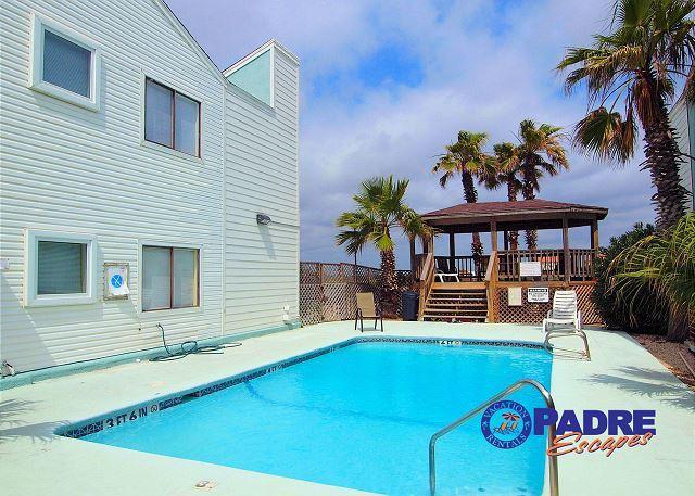Leeward Isles pool - Great looking 1 bedroom condo close to the beach! - Corpus Christi - rentals