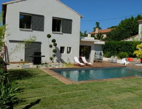 Holiday rental Villas Puyricard (Bouches-du-Rhône), 230 m², 2 990 € - Image 1 - Puyricard - rentals