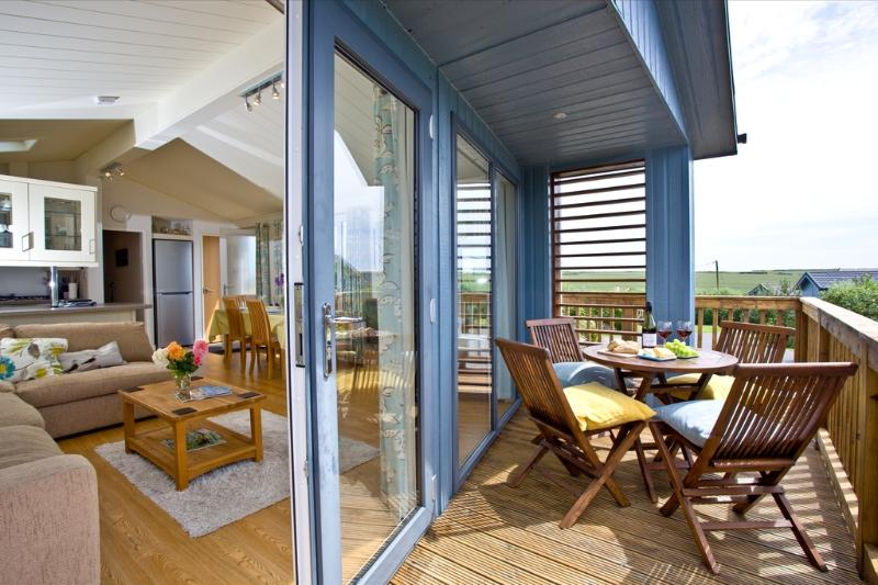 Seashells, Salcombe Retreat located in Salcombe, Devon - Image 1 - Salcombe - rentals