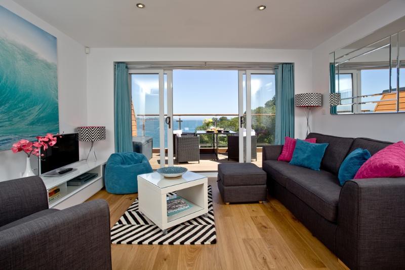 Puffin 2, The Cove located in Brixham, Devon - Image 1 - Brixham - rentals