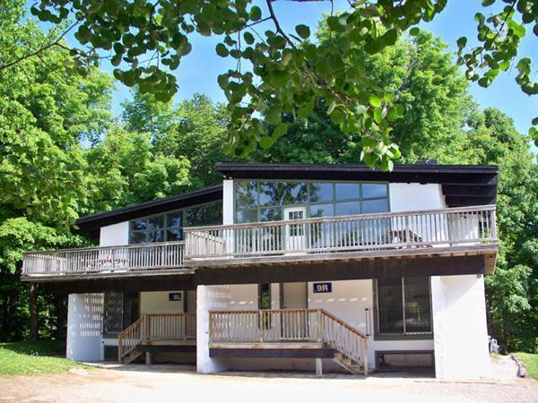 6 Bed Blue Mountain Chalet With Sauna #9L - Image 1 - Blue Mountains - rentals