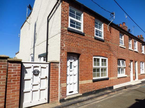 SEAFRET COTTAGE, end-terrace, pet-friendly, sun room, in Mundesley, Ref 925790 - Image 1 - Mundesley - rentals