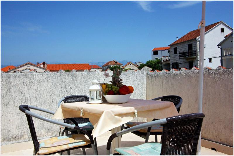 A5(2+2): terrace - 001SUTI  A5(2+2) - Sutivan - Sutivan - rentals