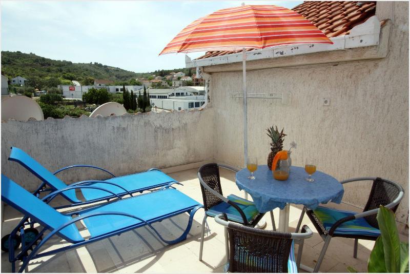 A7(2): terrace - 001SUTI  A7(2) - Sutivan - Sutivan - rentals