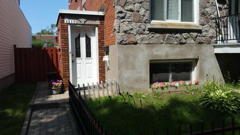 1 Bedroom modern apartment, near downtown Montreal - Image 1 - Montreal - rentals