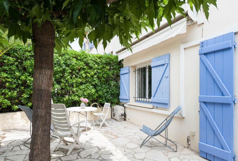 Outdoor private terrace garden - 2 apartments, Sleeps 12,  WiFi, AC, 2 Parking - Cannes - rentals