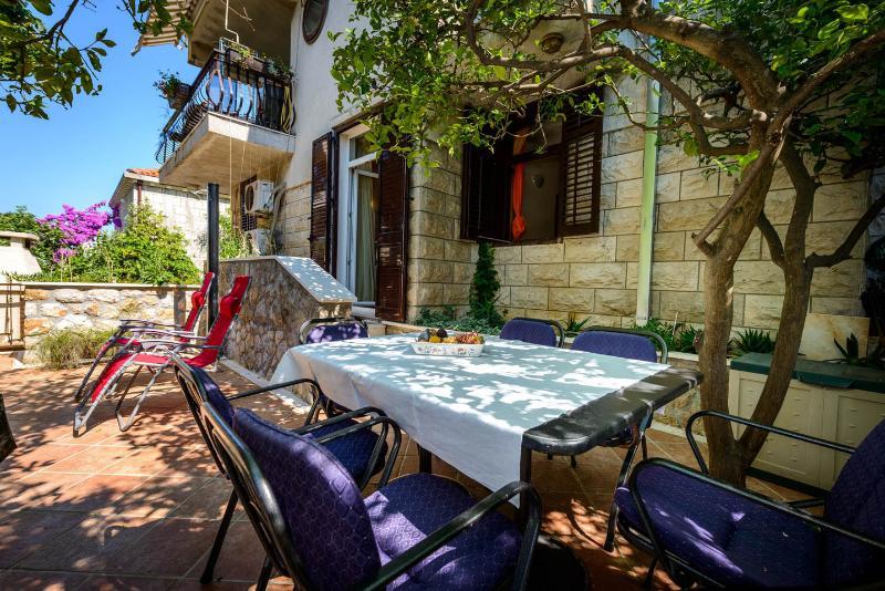Villa Lia-apartment Ivana - Image 1 - Dubrovnik - rentals