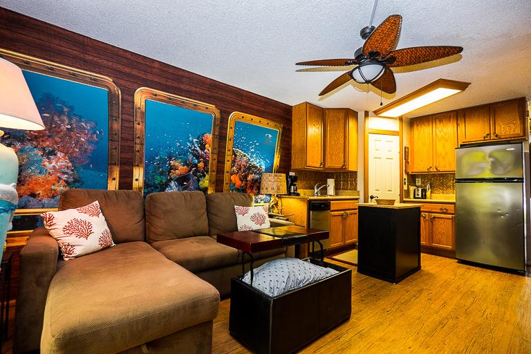 Stay In This Unique STUDIO Decorated Like A Submarine - Dishwasher Too - Image 1 - Kailua-Kona - rentals