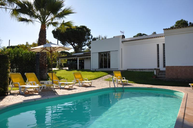 Pool and garden - Casa Bisavos - Vale do Lobo - rentals