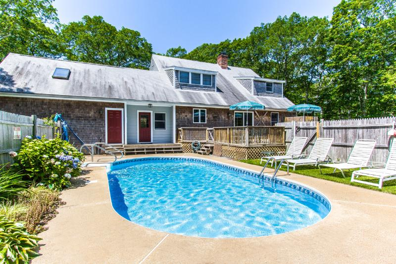 Pool, Patio, Deck, 4ft Pool - DRAPM - Mink Meadows Family Compound, Private Pool,  Walk or Drive to Private - Vineyard Haven - rentals