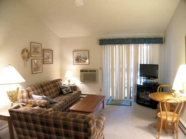 Living Area - Upper Level, 2  BR, 2 Bath (sleeps 5), 2 A/C's & 5 Pool Pases (fees apply) - CH0263 - Brewster - rentals