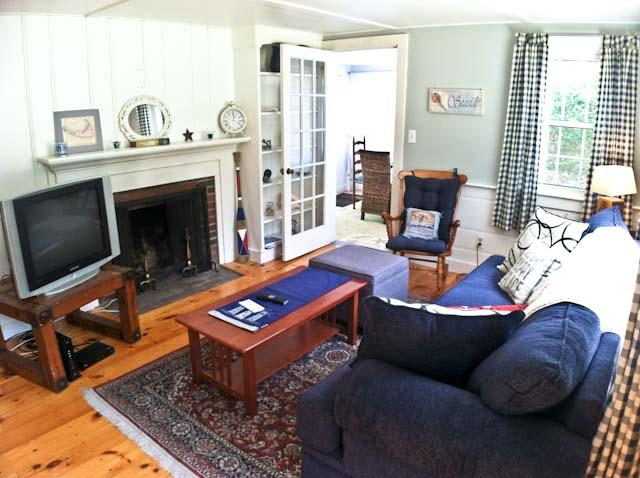 Living area - Affordable, Lovely 3 BR, 1 Bath, close to Kelly's Bay Pond - DE0597 - Dennis - rentals