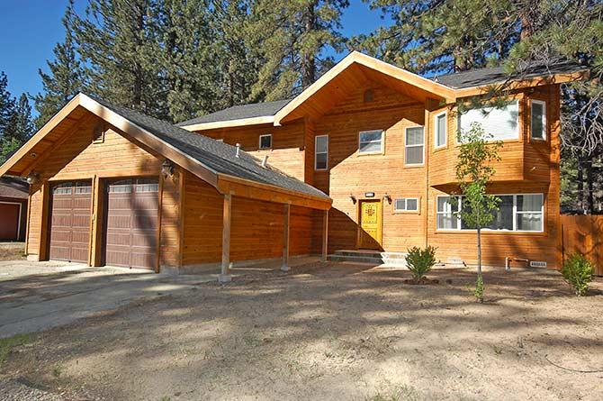 Exterior - 894 Tahoe Keys Blvd - South Lake Tahoe - rentals