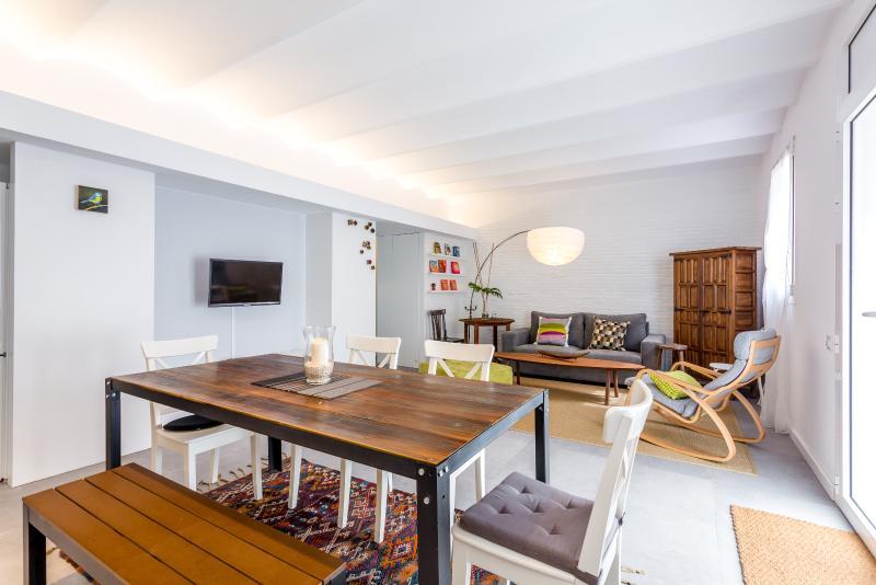 Large Living Room - Vintage Loft Barcelona (2BR) - MID TERM RENTALS - Barcelona - rentals