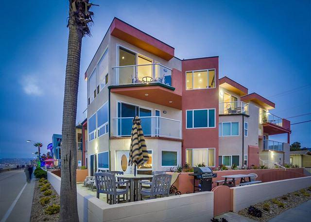 704 Monterey Court Exterior - ****Special Discount Available for Reservation 6/18/16 - 6/25/16**** - Pacific Beach - rentals