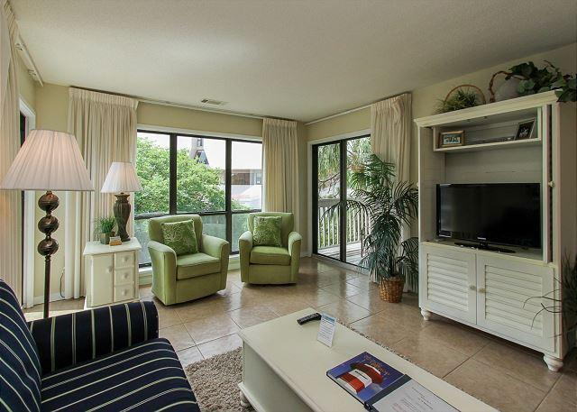 Living Area - 15-16 Moorings - Beautiful 2 Bedroom Palmetto Dunes Villa! - Hilton Head - rentals