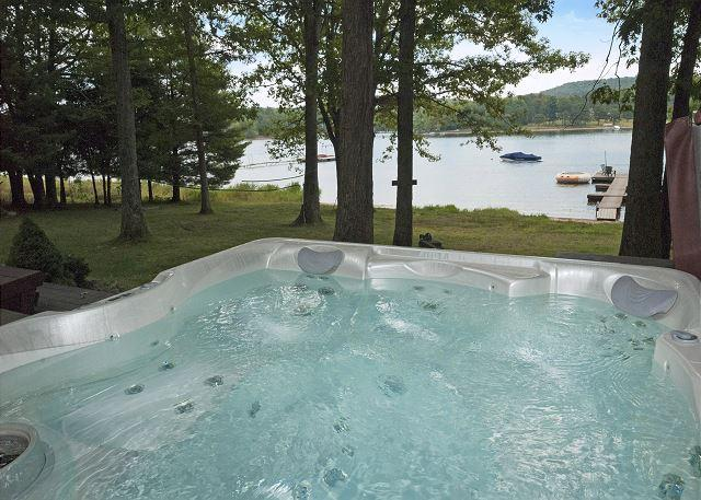 Hot Tub - Warm & Inviting 3 Bedroom Chalet located on a peaceful lake cove! - Swanton - rentals