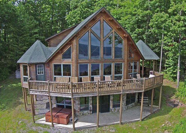Exterior - Exquisite 5 Bedroom Log Home with phenomenal lake views! - McHenry - rentals