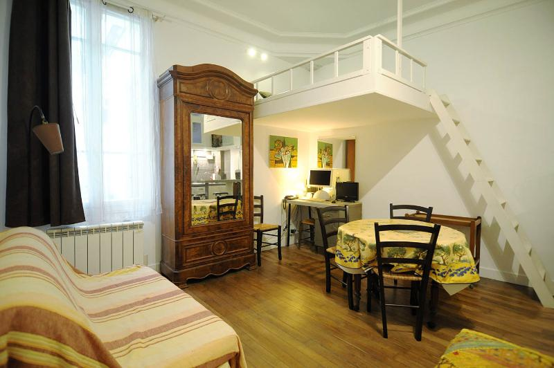 1 Bedroom Paris Apartment Rental - Image 1 - Paris - rentals