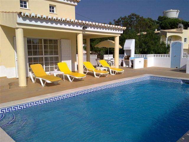 Beautiful Detached 3 Bedroom Villa near Carvoeiro - Image 1 - Carvoeiro - rentals