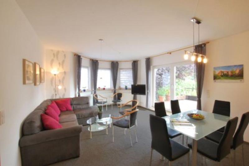 Vacation Apartment in Hoppegarten - 926 sqft, Großzügige, modern (# 8879) #8879 - Vacation Apartment in Hoppegarten - 926 sqft, Großzügige, modern (# 8879) - Hoppegarten - rentals