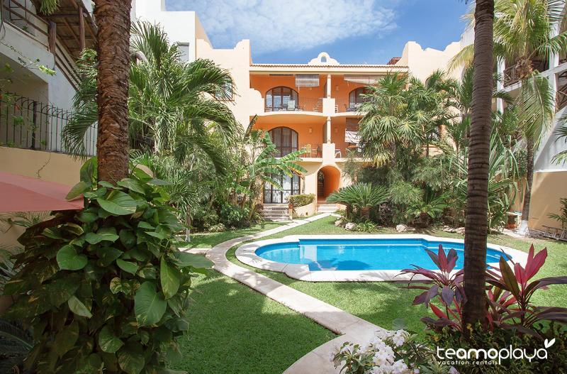 La Coccinella 302 B - COCCINELLA B302 - Private rooftop 1 Block to Beach - Playa del Carmen - rentals