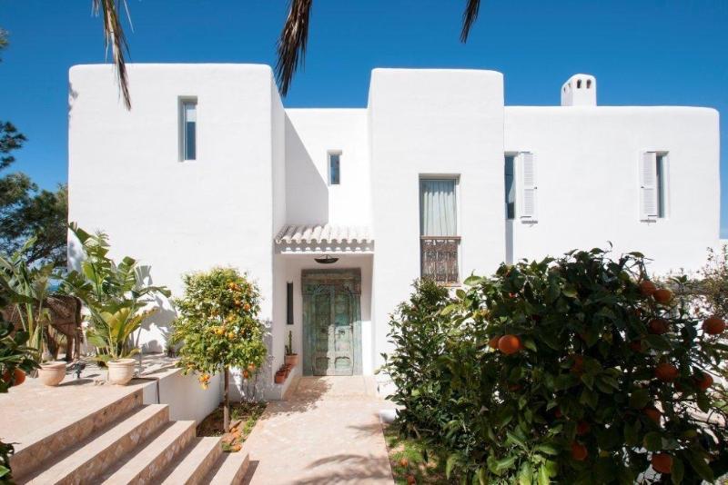 4 bedroom Villa in Sant Josep De Sa Talaia, Ibiza : ref 2268560 - Image 1 - Cala Tarida - rentals