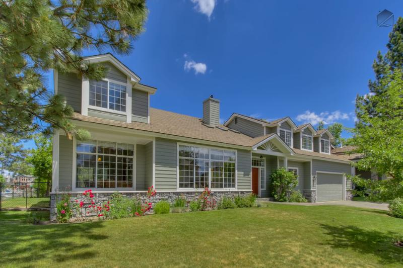 Sierra Keys Manor is an expansive home with 7 bedrooms, 5000 Square Feet, and a private boat dock - 7 BR Tahoe Keys Home - private boat dock, hot tub and pool table! - Sierra Keys Manor - South Lake Tahoe - rentals