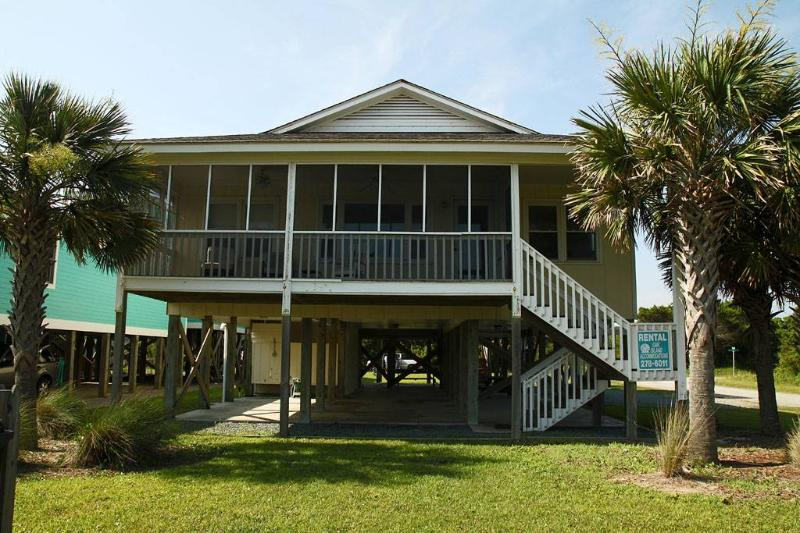 Sweet Carolina 702 West Dolphin Drive - Image 1 - Oak Island - rentals