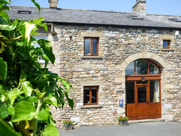 WARTH BARN, family friendly, luxury holiday cottage, with a garden in Ingleton, Ref 1912 - Image 1 - Ingleton - rentals
