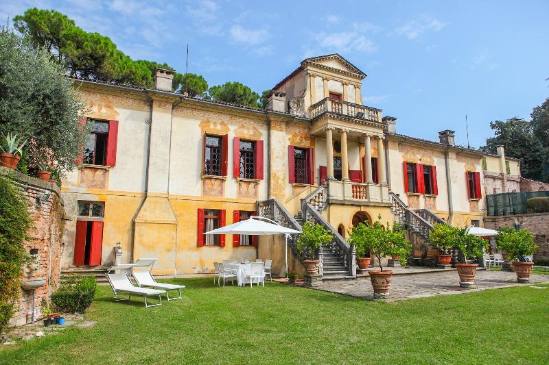 Villa Este - Image 1 - Este - rentals