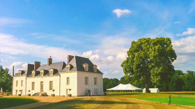 Chateau de la Houlberdiere - Image 1 - Saint-Jean-du-Bois - rentals