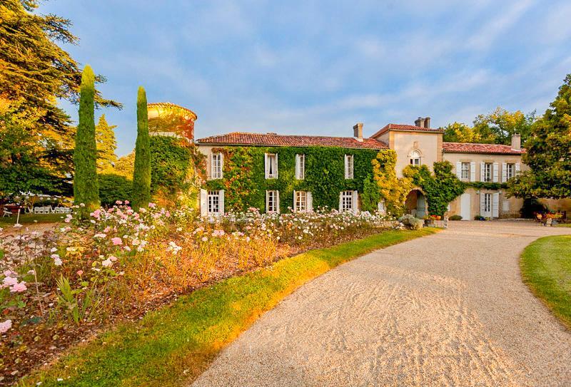 Chateau des Nuits Blanches Estate - Image 1 - Larressingle - rentals