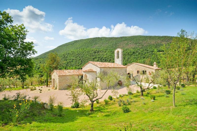 Villa Chiesa - Image 1 - Umbria - rentals