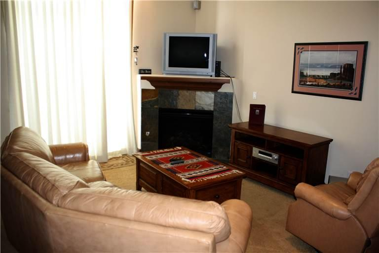 Appealingly Priced Highland Greens Townhomes 4 Bedroom Condominium - HG17L - Image 1 - Breckenridge - rentals