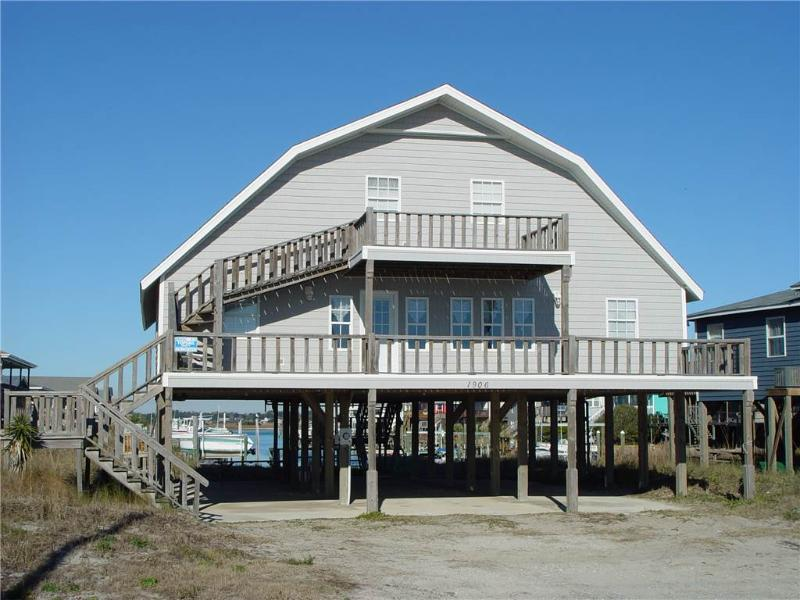 THE BEACH BARN - Image 1 - Topsail Beach - rentals