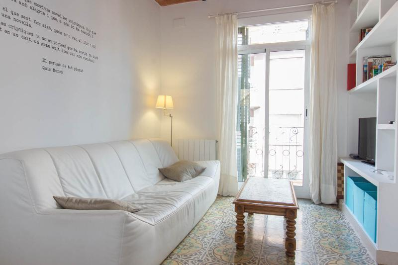 Gracia, close Gaudi, WIFI, Balcony, AC - Image 1 - Barcelona - rentals