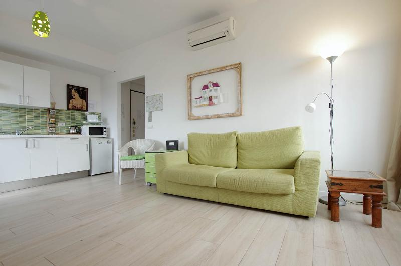 Littleisa@TRASTEVERE station - Image 1 - Rome - rentals