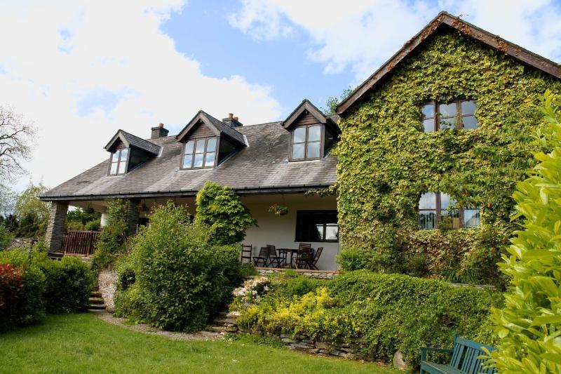 Large 2 bedroom stone cottage 2m. from Llangollen. - Image 1 - Llangollen - rentals