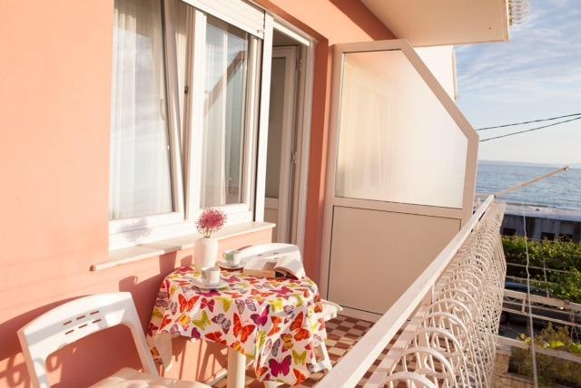 New apartment near beach - Image 1 - Podstrana - rentals