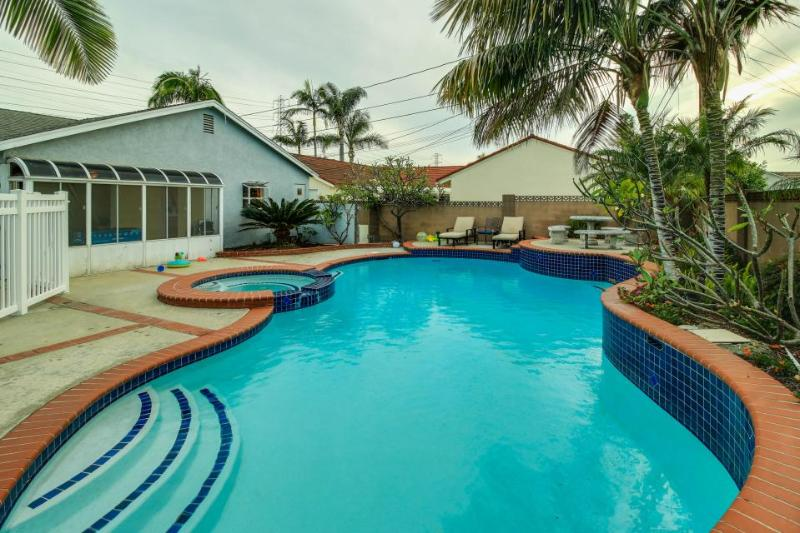 Spacious home with pool & hot tub 1 mile from Disneyland! - Image 1 - Anaheim - rentals