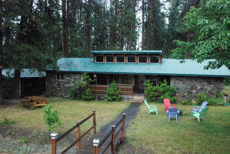 The Rockhouse - Crater Lake Bungalows  -The RockHouse - Crater Lake - rentals