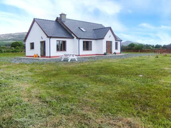 THE CHERRY TREE COTTAGE, open fire, garden, views, close to coast, near Adrigole, Ref 23586 - Image 1 - Crossmaglen - rentals